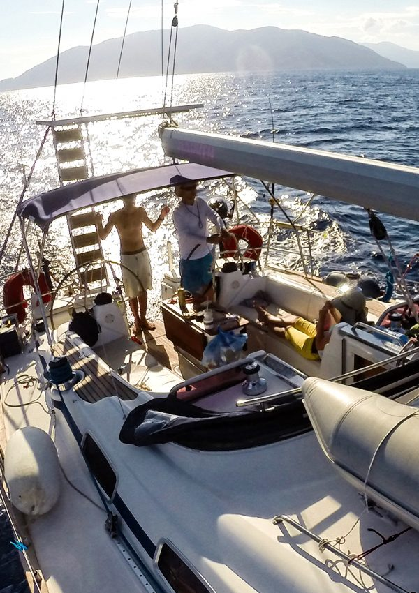 Екскурзия с яхта до Северните Споради